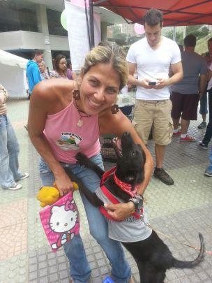 Ayudando a la comunidad con adopciones y donativos para esperanza animal